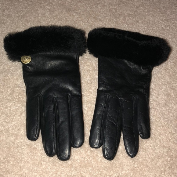 25c31f573ce Women's Ugg Leather & Wool Gloves NWT